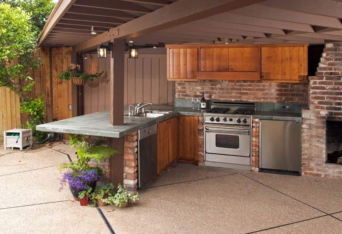 outdoor kitchen 2 min